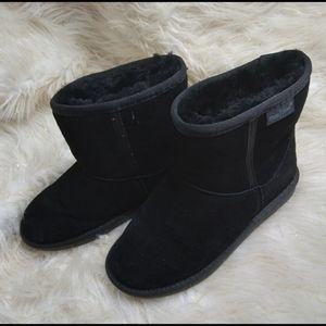 Minnetonka short black boots sherpa lined size 7